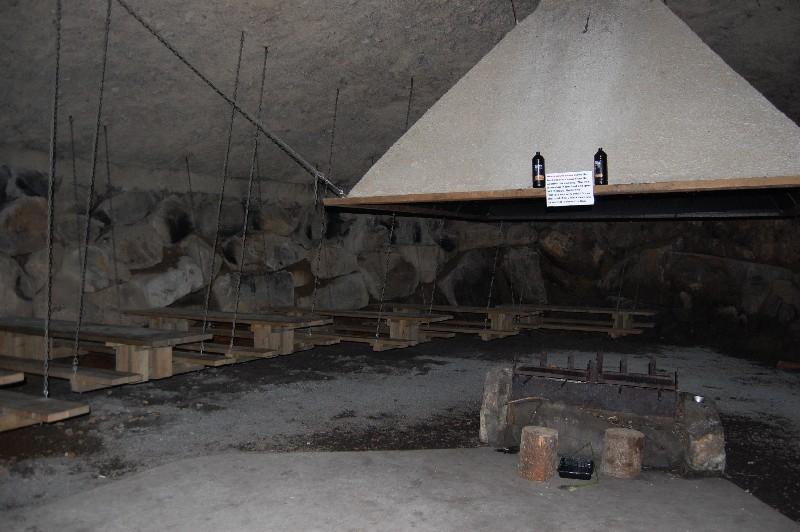 Walhal - Höhle für Feste und Schutz bei Regen