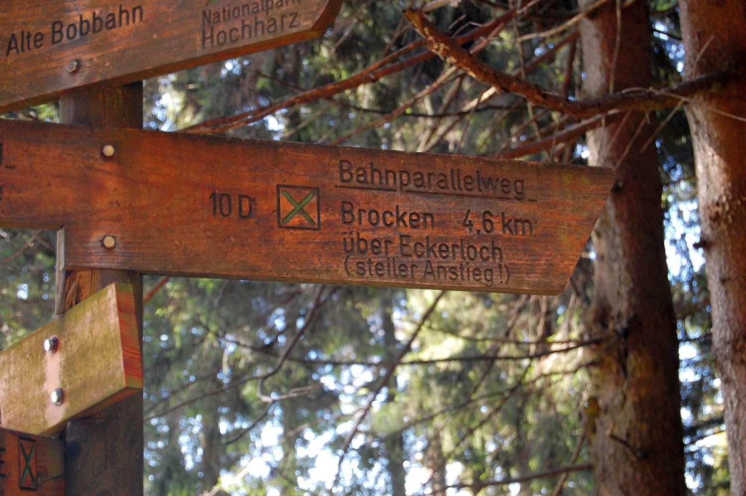 Wegweiser zum Brocken im Harz