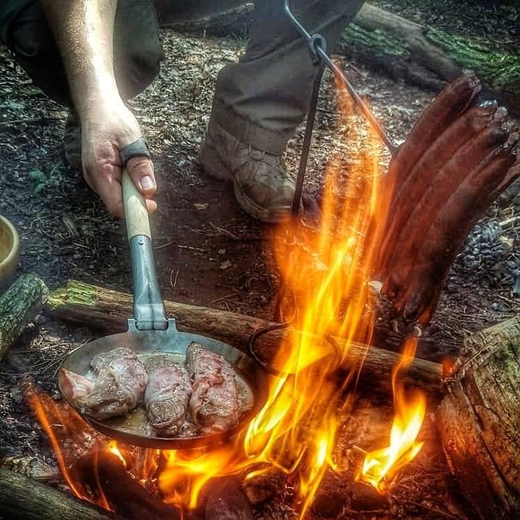 Stabilotherm Jägerpfannen sind erhältlich mit festem oder umklappbarem Griff!